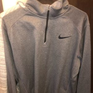 therma-fit Nike Pull over quarter zip
